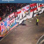 ช็อค!! แฟนบอล Ajax พลาดตกอัฒจันทร์ระหว่างฉลองบอลนำ 2-1